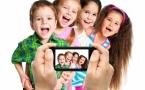 Фотографируют детей.