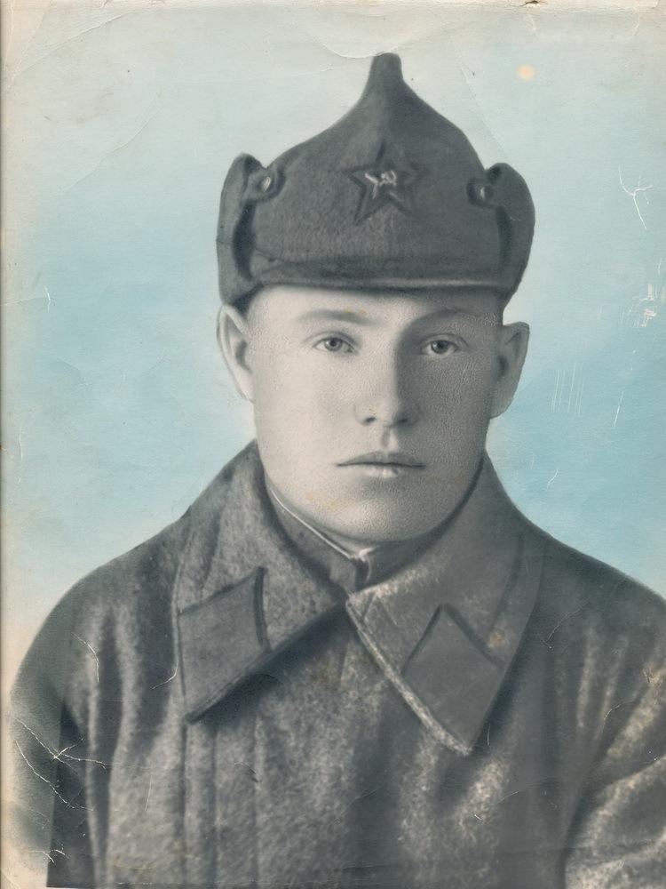 Kaydalov-Nikolay-Andreevich-v-krasnoarmeyskoy-forme-1941-g._