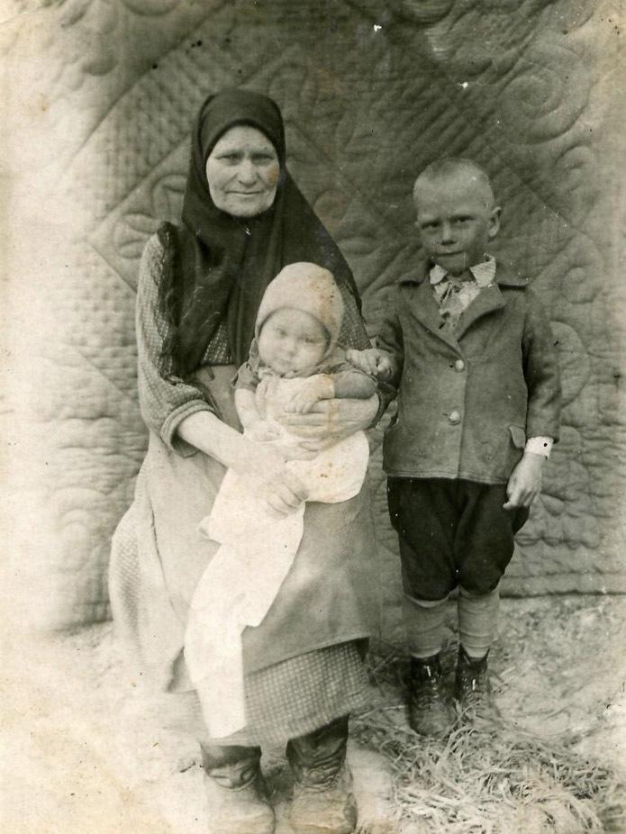 Т. Ажимов в детстве